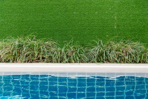 Jak pozbyć się zielonej wody z basenu?